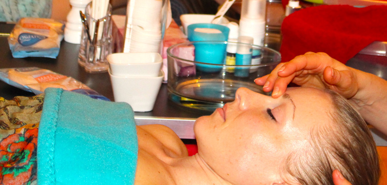 Lomi Face Treatment nach Schneider & Schramm®